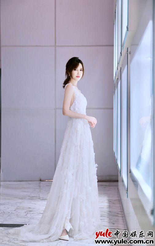 范冰冰惊艳亮相 米咪荣获年度潜力女艺人资讯生活